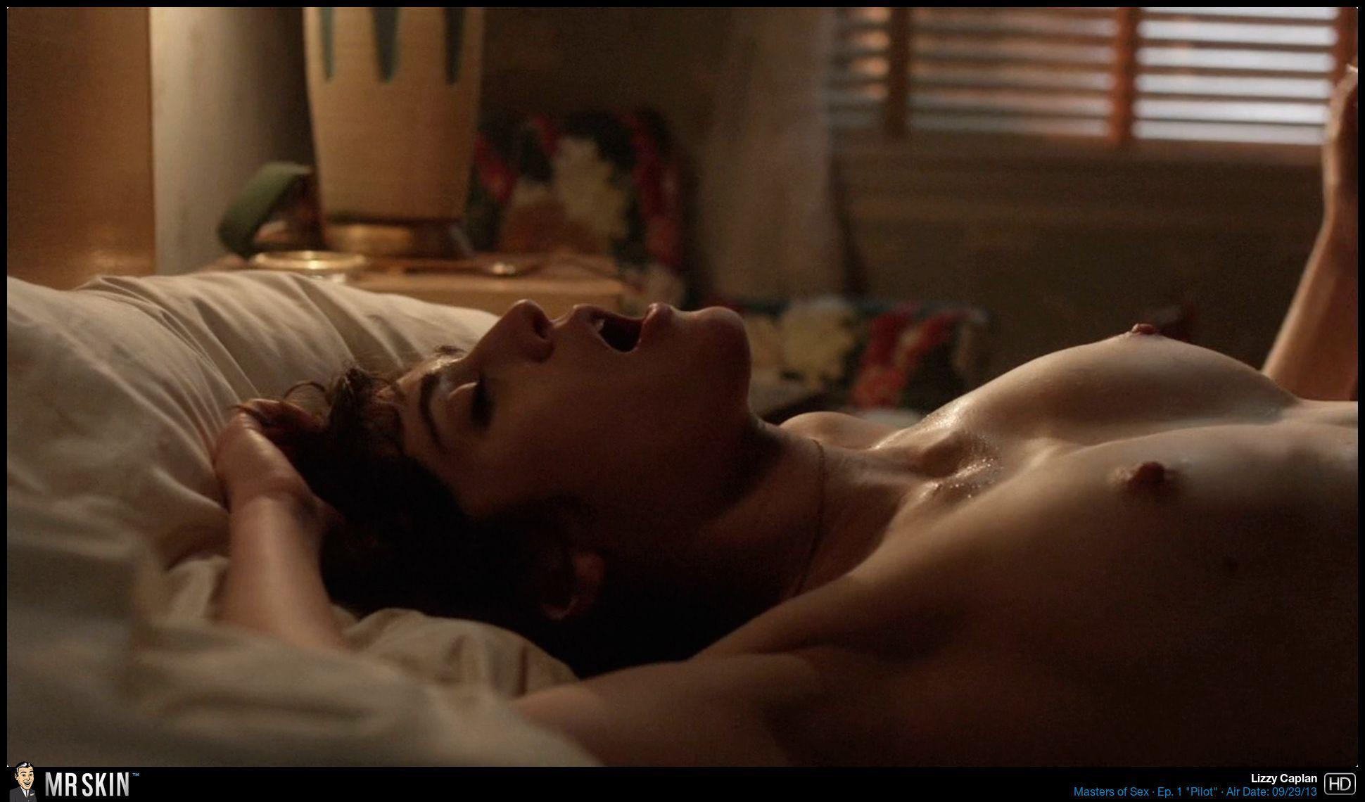 Lizzy Caplan Desnuda Mientras Le Comen El Coño En La Serie Masters